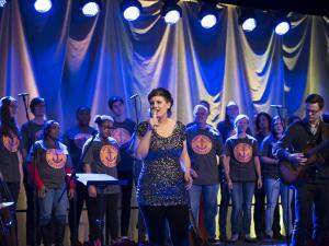 Meaghan and Choir PHL2016